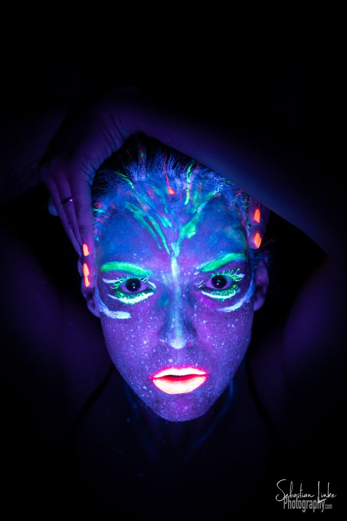 Vero (theSTICs) Blacklight Portrait