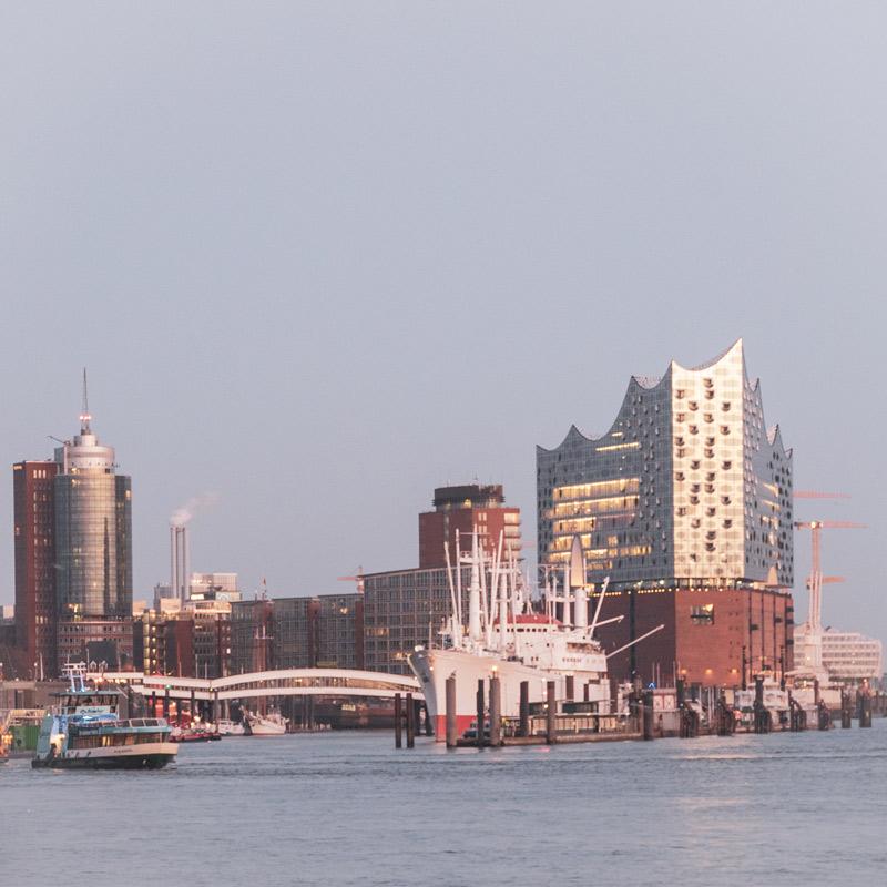 Hamburg Postkarten Set - Motiv: Elbphilharmonie, Hamburger Hafen